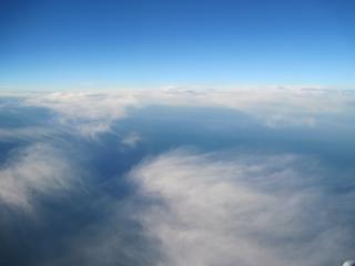 Blauwe hemel met wolken wolken