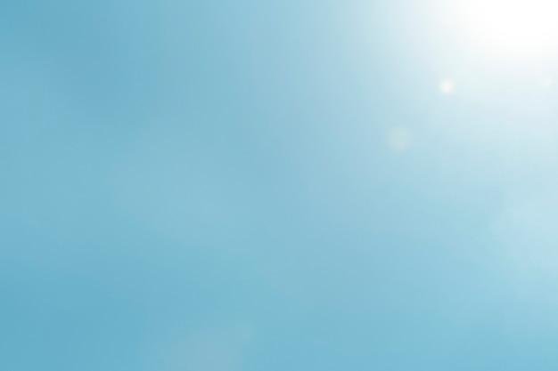 Blauwe hemelachtergrond