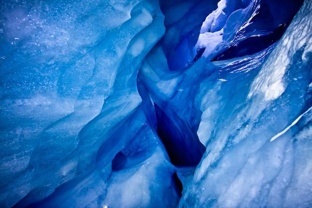 Blauwe ijsgrot