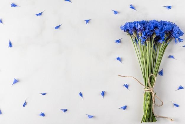Blauwe korenbloemen Premium Foto