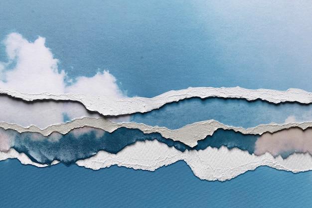 Blauwe luchtafbeelding in gescheurde papierstijl
