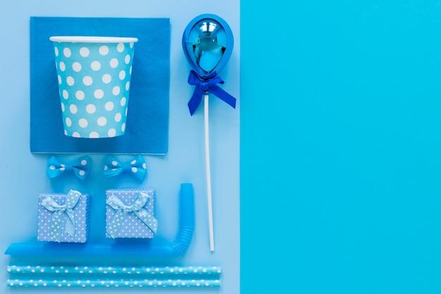Blauwe partij ornamenten plat leggen