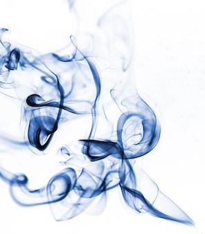 Blauwe rook collectie op witte achtergrond