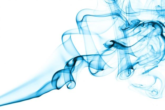 Blauwe rook en mist