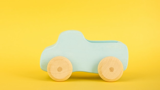 Blauwe speelgoedauto voor kinderen