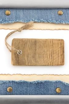 Blauwe spijkerbroek en prijskaartje