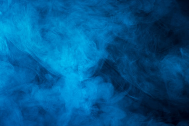 Blauwe stoom zwarte achtergrond