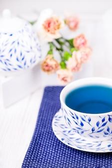 Blauwe vlinder pea bloementhee