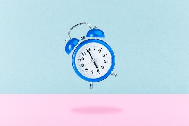 Blauwe wekker