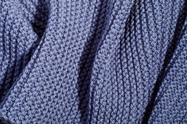 Blauwe wol gebreide sjaal.