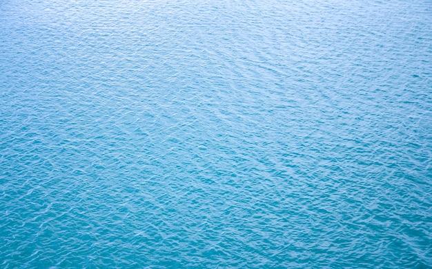Blauwe zee golven