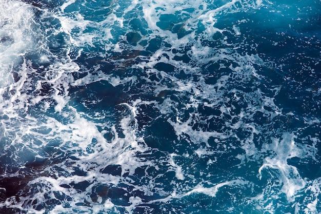 Blauwe zee wateroppervlak, oceaan golven patroon achtergrond