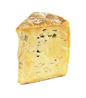 Bleu d'auvergne blauwe kaas geïsoleerd