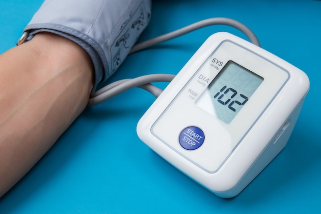 Bloeddruk meten met digitale apparatuur