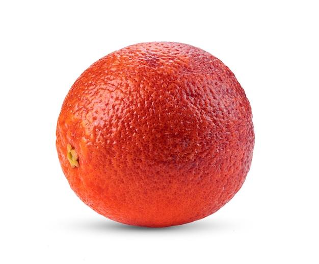 Bloedsinaasappel die op wit wordt geïsoleerd