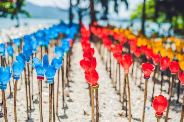 Bloemen gemaakt van een plastic fles