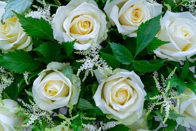 Bloemen mooi boeket. decoratieve bloemen natuurlijke achtergrond.