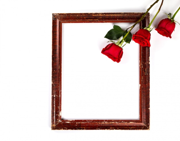 Bloemen samenstelling. fotoframe, rode rozen achtergrond