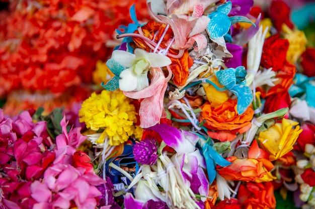 Bloemen te koop bij de bloemenmarkt in singapore
