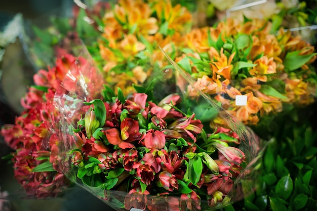 Bloemenboeket in de bloemenwinkel