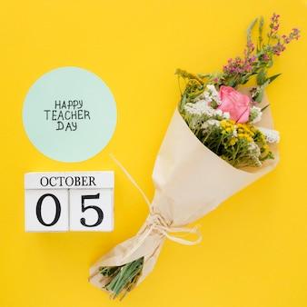 Bloemenboeket op gele achtergrond