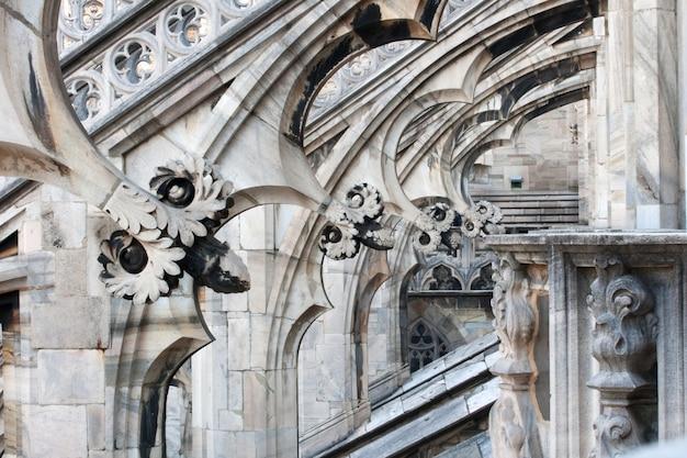 Bloemsculpturen, de kathedraal van milaan