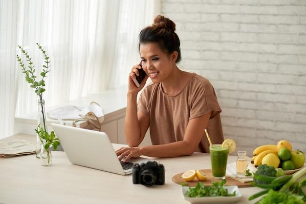 Blogger op het werk