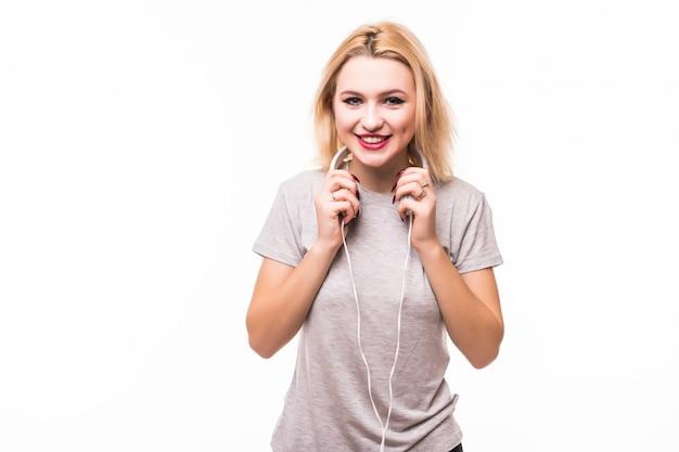 Blondie is erg blij met haar nieuwe witte koptelefoon