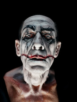 Bloody halloween-thema: gek maniakgezicht