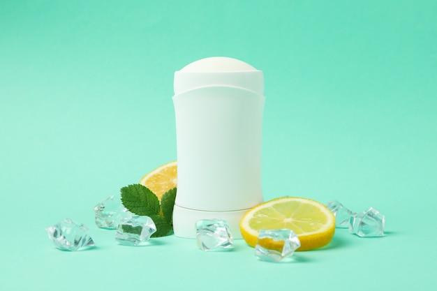 Body deodorant, ijs en citroen op munt