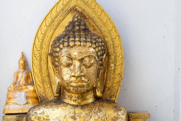 Boeddhabeelden in de ayutthaya-periode. prachtige voorstellende boeddha.