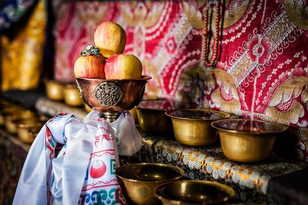 Boeddhistisch aanbod thiksey klooster ladakh india