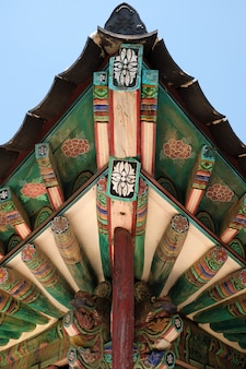 Boeddhistisch de tempel oud traditioneel het dak van korea het schilderen patroon