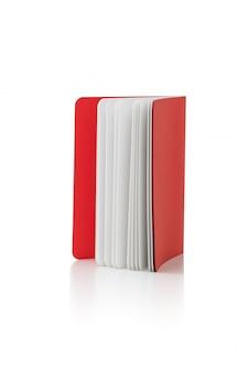 Boek over geïsoleerde witte achtergrond