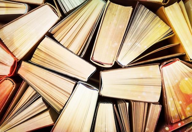 Boek stapel literatuur hardback vrije tijd fictie lezen