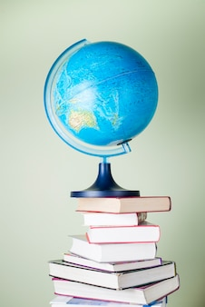 Boeken en bol om nieuwe werelden te bedenken