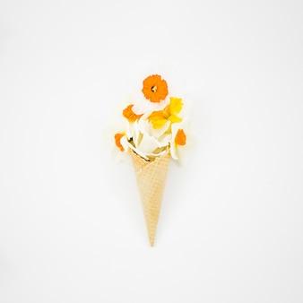 Boeket bloemen met cornet