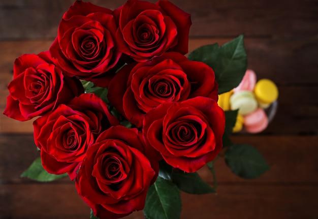 Boeket rode rozen. bovenaanzicht