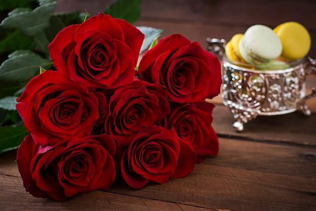 Boeket rode rozen.