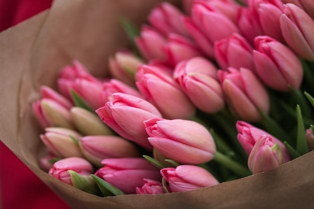 Boeket roze tulpen
