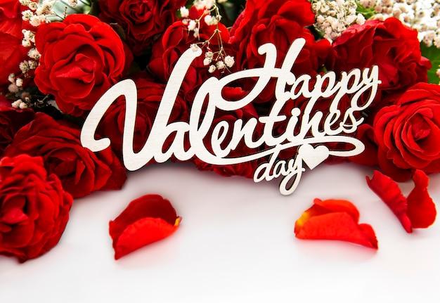 Boeket van rode rozen voor valentijnsdag