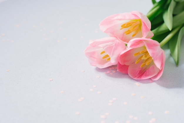 Boeket van roze tulp bloemen