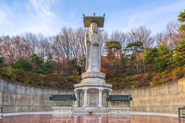 Bongeunsa-tempel in de stad van seoel, zuid-korea.