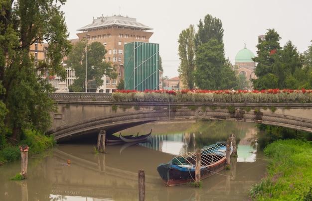 Boot onder de brug, padua