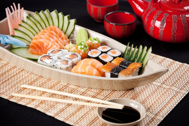 Boot van sushisamenstelling