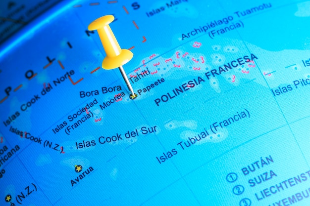 Bora bora vastgemaakt op een kaart van oceanië