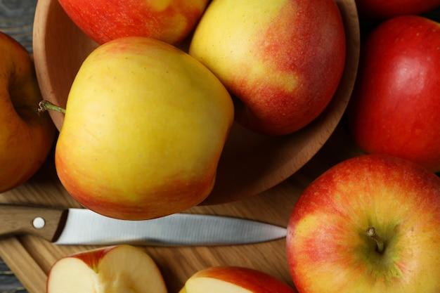 Bord met lekkere rode appels, close-up