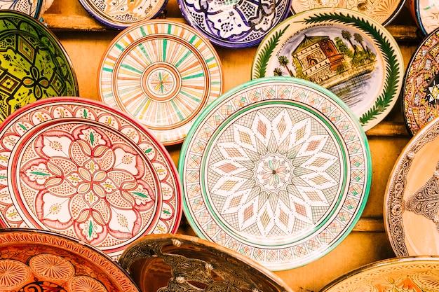 Borden op de markt in marokko