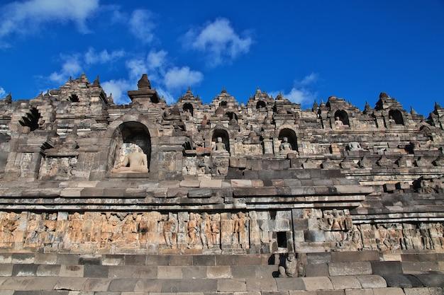 Borobudur, de grote boeddhistische tempel in indonesië