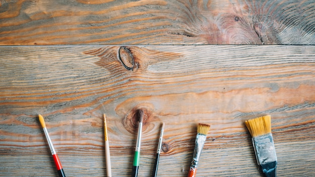 Borstels op houten oppervlak